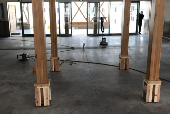 カラクリート鏡面化工事施工前